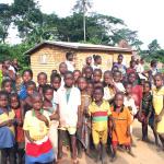 Aufnahme von Kindern aus einem Dorf in der Nähe der Schule bei Kati - Juni 2014
